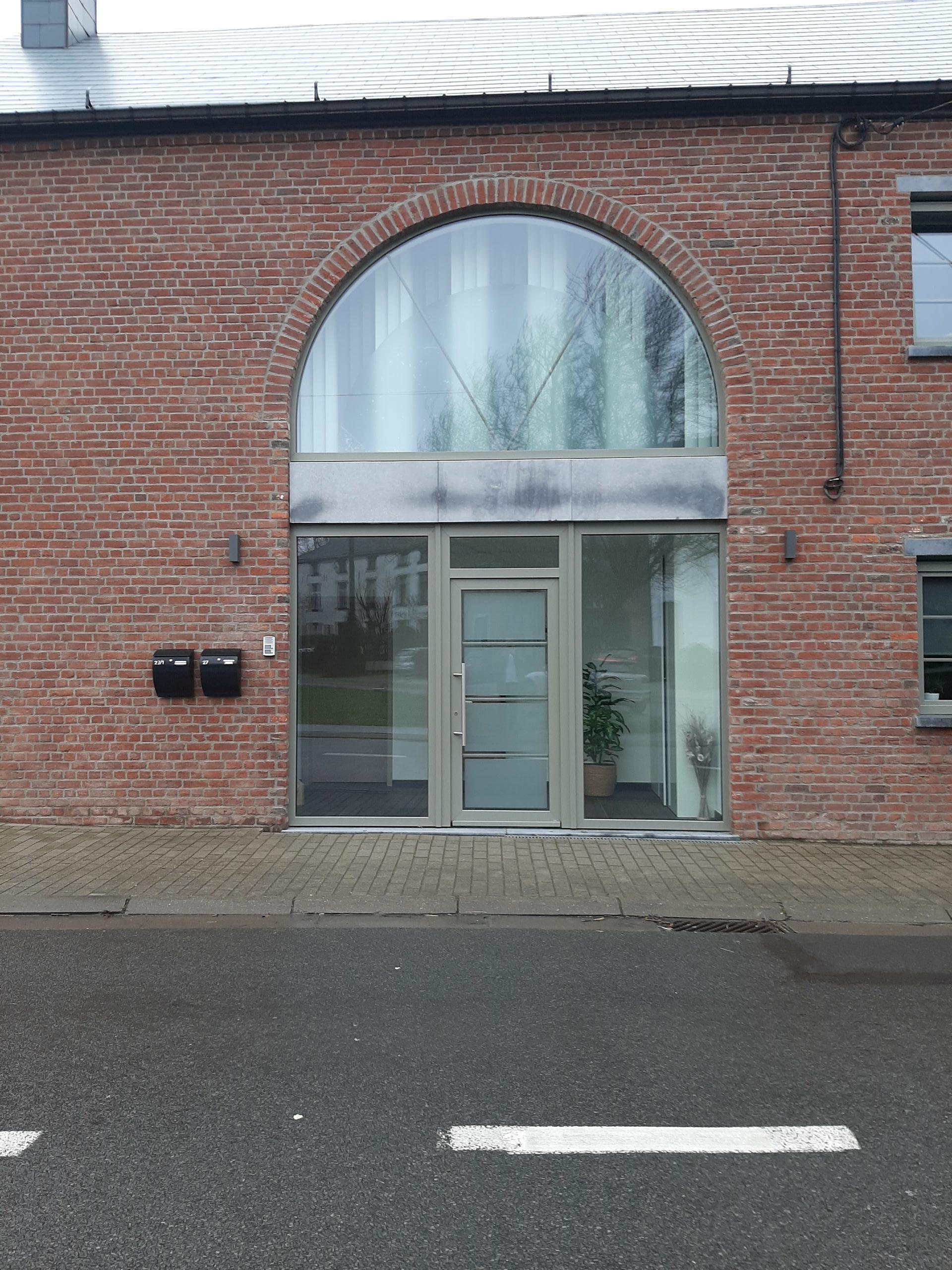 Chantier à Charleroi : fenêtres double vitrage